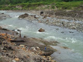 Roka - Present bed of an eroding Kavarong River