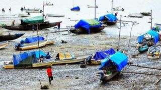 Boats in Daru (South Fly Development Forum)