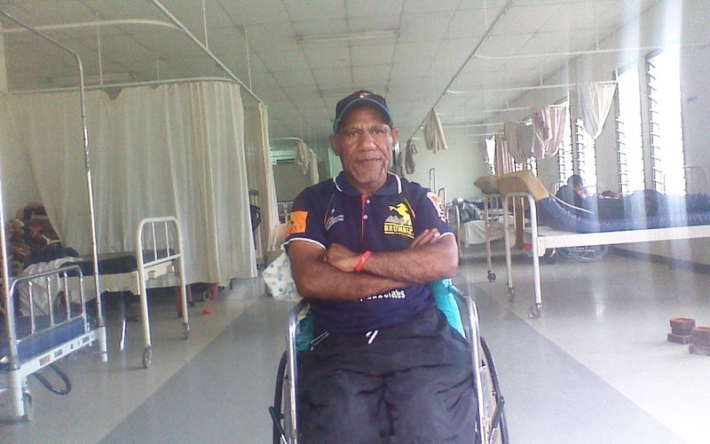 Francis Nii at Sir Joseph Nombri Hospital, Kundiawa, 2014