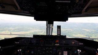 Final approach into Goroka (Bernie Leighton )