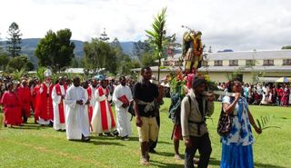 Pilgrims arriving at Rebiamul on Palm Sunday