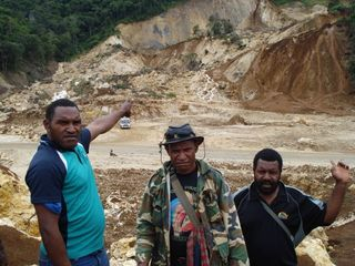 Agobe, Chief Jokoya, Councillor Hipson at the Tumbi landslide