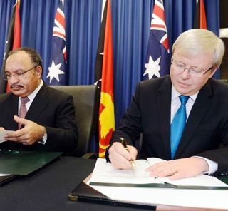 Peter O'Neill and Kevin Rudd, 2013 (Fairfax)