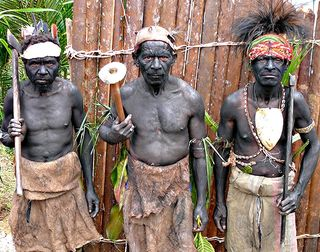 Men from  Niugini