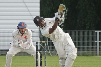 Jack Vare struck the winning boundary as PNG scripted a historic win over Netherlands.
