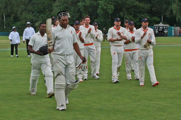 Vala teamed up with Jack Vare, the PNG captain, to wrap up the innings