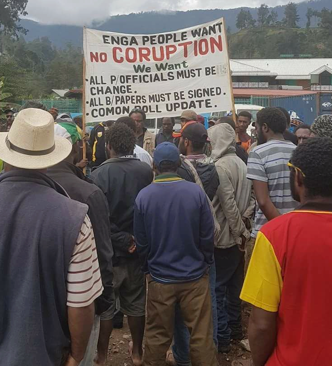 Protesters in Wabag demand no more corruption (Peter S Kinjap)