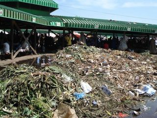 CE-Wilson-Food-Waste-Gordons-Market-Port-Moresby-2012