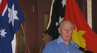 Ken addresses the PNGAA, December 2008