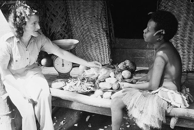 Australian and PNG women (Lowy Institute)