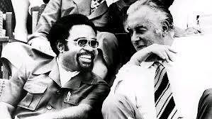 Michael Somare and Gough Whitlam on Independenec Day