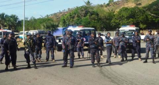 Police at UPNG, 2016 - students were shot