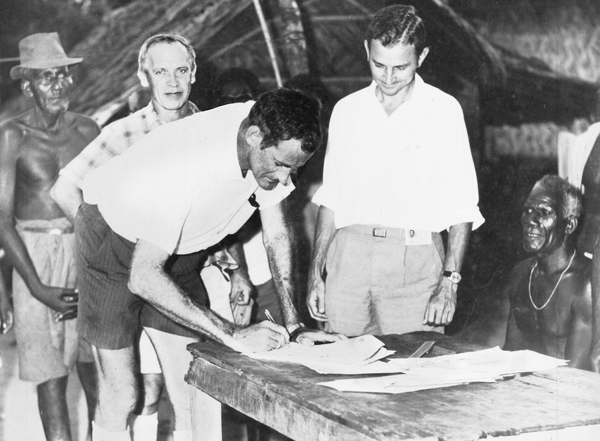 Bill Brown signing the Arawa land lease