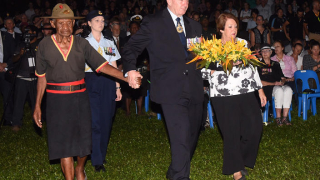 PNG veteran & Sir Peter Cosgrove - comrades in arms