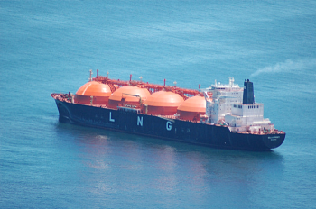 Liquid-Natural-Gas-tanker