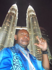 Jordan Dean - selfie at KLCC Twin Towers
