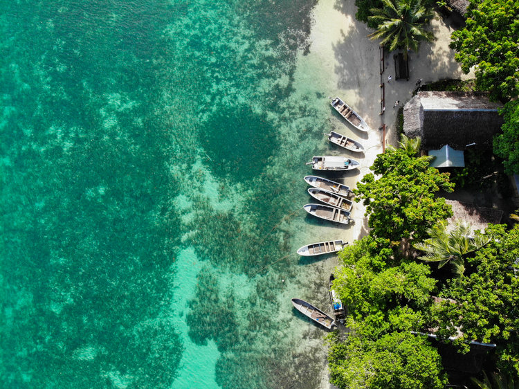 The tropical turquoise water of PNG