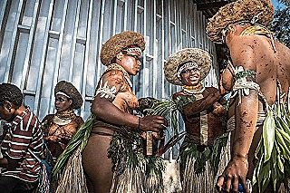 Kinjap - Sili Muli girls prepare for the show