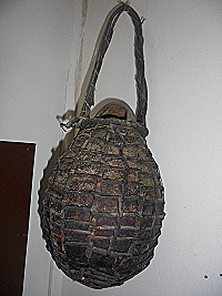 A gourd used to store tree oil