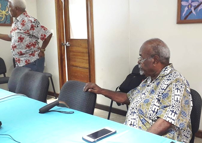 Michael Somare at policy meeting