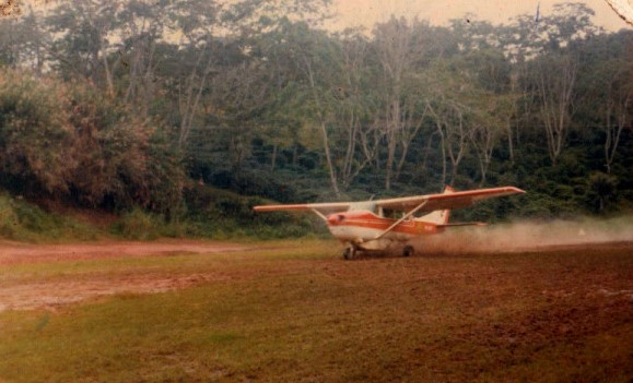 Cessna 206 taking off from Siwea in the Morobe hinterland  early 1970s (Bilge Bucket Blog)