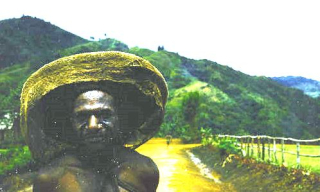 Kumbon - Wigged villager  Wabag patrol post  when Kurai Tapus was a bosboi (Fryer Library UQ)