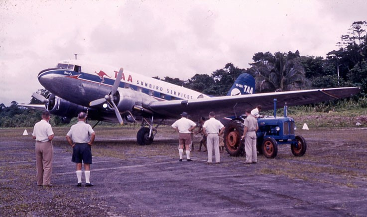 DC3 at Palmalmal being started with a rope