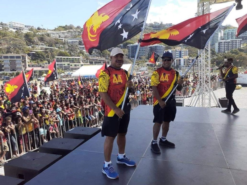 Powes Parkop fronts independence day crowd in Mosbi