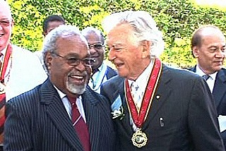 Hawke with Somare in 2009