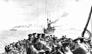 Soldiers landing at Gallipoli  25 April 1915