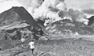 Approaching Mt Lamington after the explosion 1951 (Fred Kleckham - PNGAA)