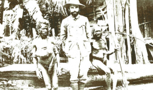 Sir Peter Scratchley in Papua
