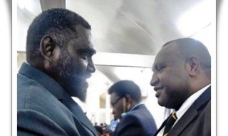 Pres-Ishmael-Toroama-meeting-with-PM-James-Marape-in-Buka-on-Sept-29