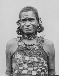 Waide - Kapaia in mourning attire