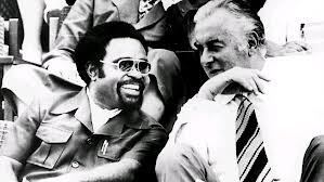Michael Somare and Gough Whitlam on Independence Day  1975 (Whitlam Institute)