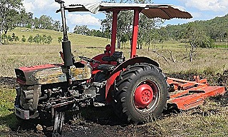 Tractor flambe